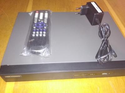 Видеорегистратор Hikvision DS-7204 HVI-SV(Б/У)